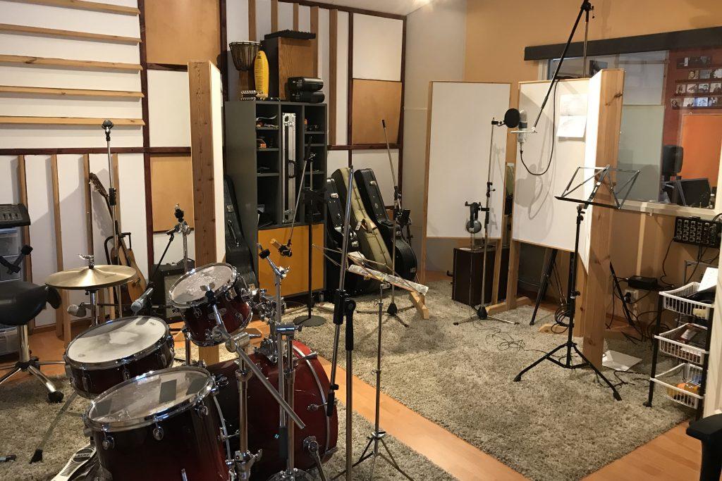 studio1_sivu2